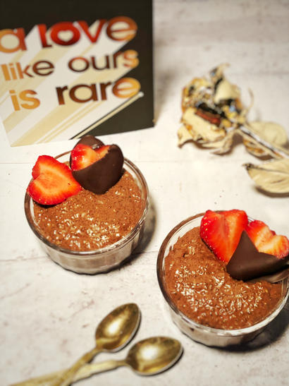 valentine's day chocolate chia pudding