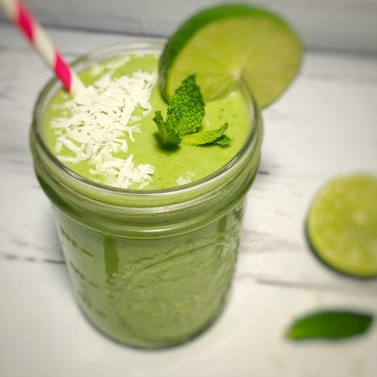 Healthy Shamrock shake smoothie